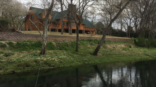 Little Red River Log Home