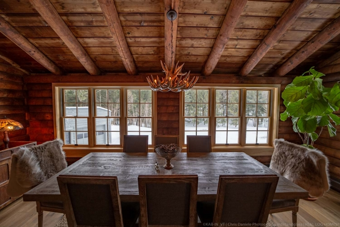 [KAB-IN] Vermont - Renovated 1972 Real Log Homes Rental Cabin